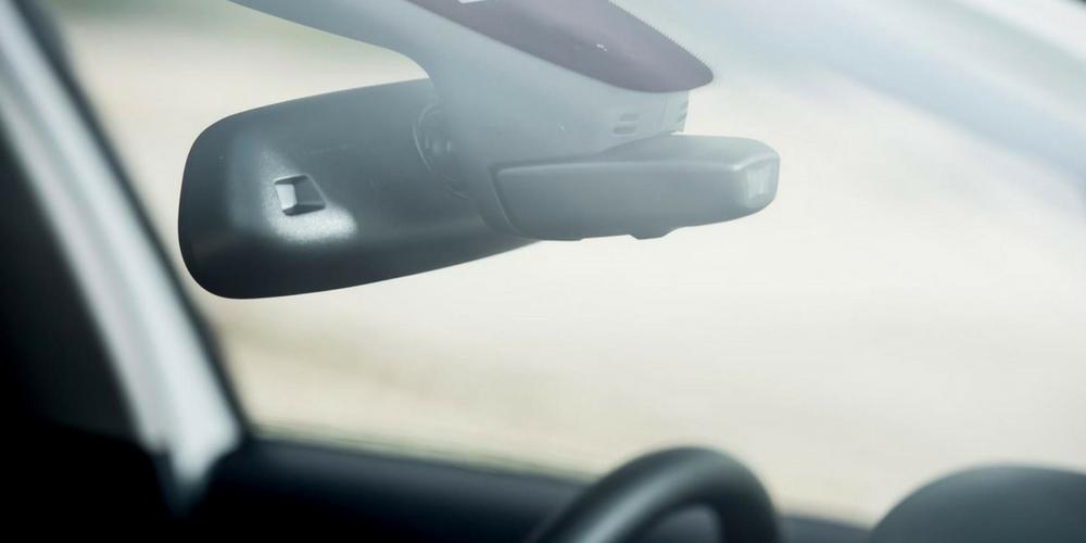 Caracteristici importante pe care trebuie să le aibă o cameră auto de calitate