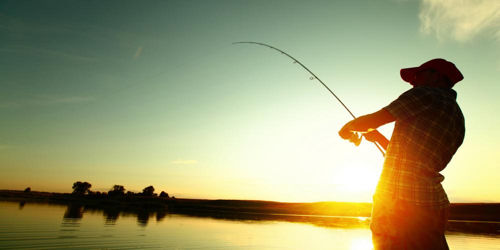 Gadget-urile potrivite pentru un week-end la pescuit