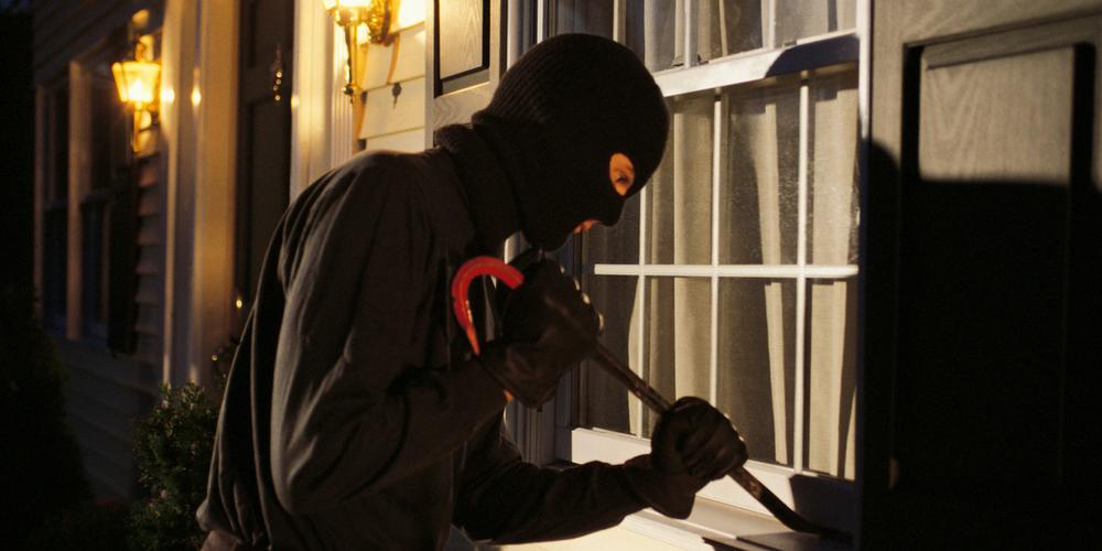 3 metode prin care îți protejezi casa de hoți. Simplu și la îndemână