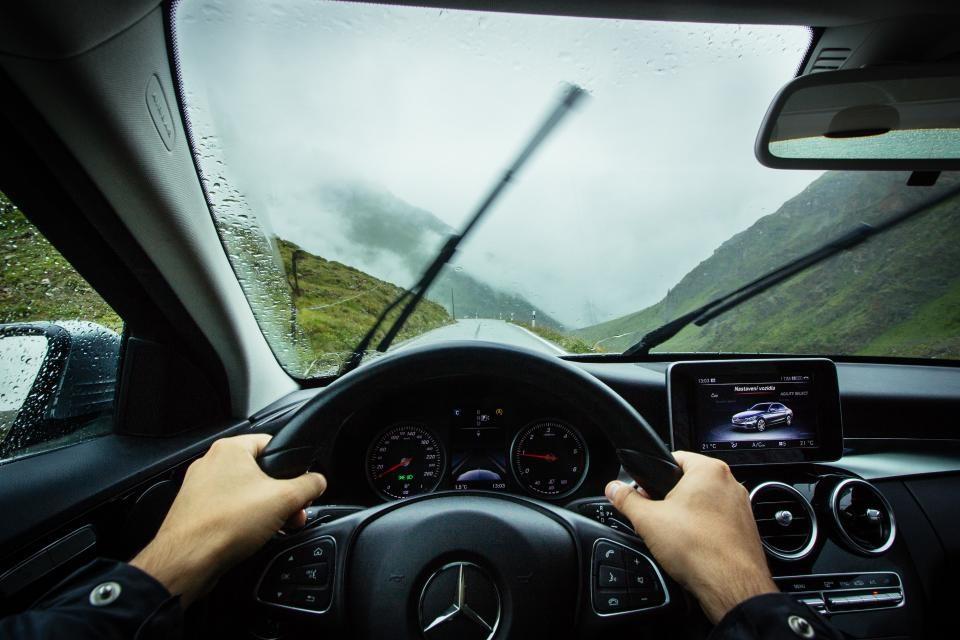 4 sfaturi pentru întreținerea ștergătoarelor mașinii tale