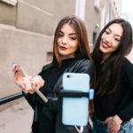 Cum alegi un selfie stick?Recomandări tehnice și estetice pentru un selfie reușit