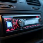 Radio after market vs. comenzile de pe volan. Cum îți afli prioritățile?