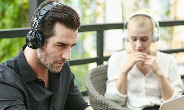 3 motive să îți cumperi o pereche de căști Bluetooth
